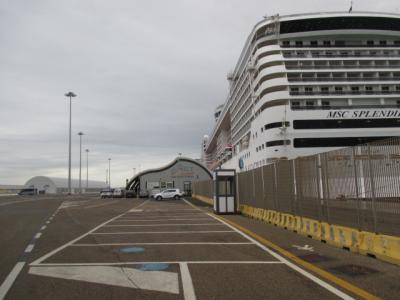 シニアのフリーツアーで行く地中海クルーズ11日間 (その2) ローマ散策し「スプレンディダ号」乗船