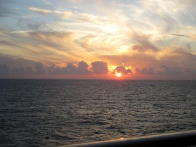 シニアのフリーツアーで行く地中海クルーズ11日間 (その5) 終日航海 船中散策