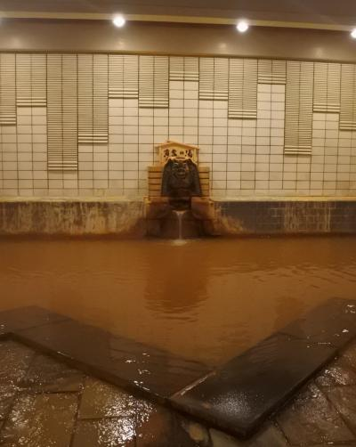 岸権旅館で黄金の湯を楽しむ(2-1)