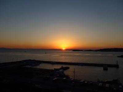 日間賀島で奇麗な夕陽を見て美味しいふぐ料理を食しました!!O(^-^)O