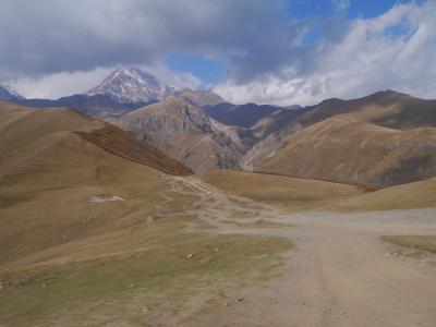 今がいきどき??! コーカサス3国  アゼルバイジャン・ジョージア・アルメニアを駆け抜ける旅 マルシュルートカでグルジア軍用道路をいく編