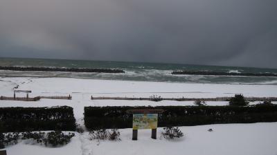 冬の日本海を見に新潟の村上、瀬波温泉へ(大人の休日2017年1月の旅1/3)