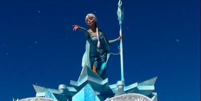 ♪レリゴー~Let It Go~♪少しも寒くないわ~♪のはずが…東京ディズニーランドスペシャルイベント「アナとエルサのフローズンファンタジー」へ&最後に「君の持つ~クリスタルは~♪」!