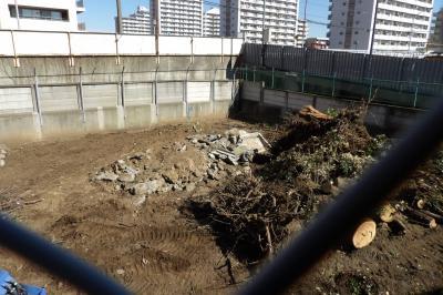 日立戸塚工場内の鎮守の森は更地になりました