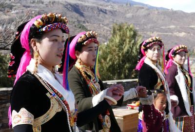 中国・四川省のチベット族が大多数を占める丹巴を訪ねて ② ー 「美人谷」と言われるギャロン(嘉絨/ジャーロン)へ