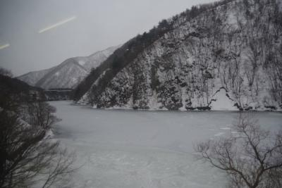 一面雪景色の米坂線