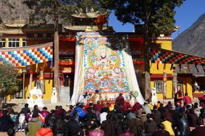 中国・四川省のチベット族が大多数を占める丹巴を訪ねて ③ ー 松安寺で仏教行事「曼荼羅御開帳」を見る