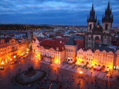 白い花のような街を巡る旅(11)オールドローズのようなプラハ旧市街広場&「ちょい住み@Andel Apratments Praha」