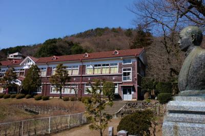 わたらせ渓谷鉄道を行く 旧花輪小学校記念館 石原和三郎と童謡