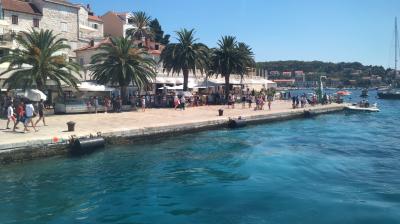 16年夏休み~クロアチア周遊二週間プラスαの旅★07 どこまでも蒼い海が続くフヴァル島