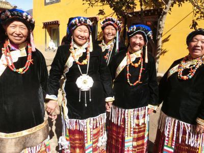 中国・四川省のチベット族が大多数を占める丹巴を訪ねて ④ ー 仏教行事を見に松安寺へ3日間通う