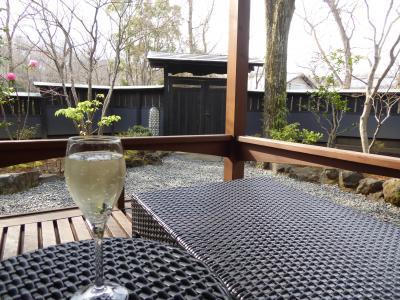 春の優雅な伊豆♪ Vol.12(第2日目) ☆伊豆高原:「ウブドの森」 午後は離れ露天風呂付き客室で温泉とスパークリングワインを♪