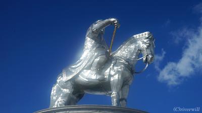 白銀のモンゴル雪原!犬ぞり、乗馬にチンギスハーン!!