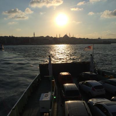 ボスポラス海峡を渡ってアジアのイスタンブールへ