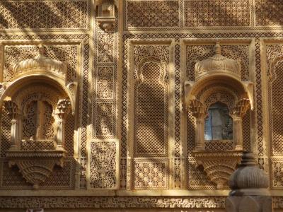ラージャスターンと北インドの旅 (3)         ジャイサルメール① ハヴェーリーを観る。