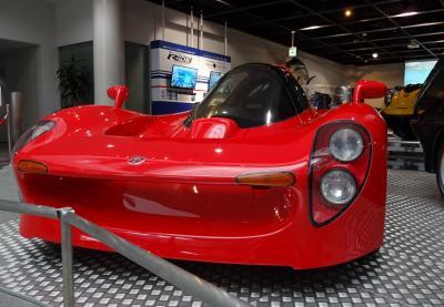 幻のYAMAHAスーパーカーが展示されている