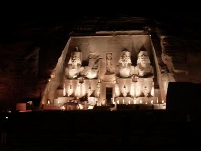 エジプト2017・・・(3)アブシンベル神殿 観客7名のサウンド&ライトショー