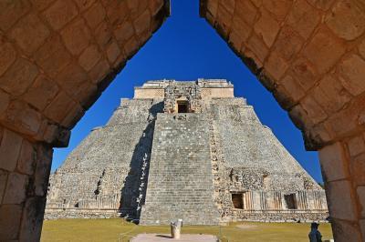 冬のメキシコ旅行(9)-【世】古代都市ウシュマル見学 & メリダ市内観光・食事-