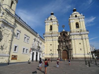 ペルー 「行った所・見た所」 リマ(アルマス広場からサンフランシスコ教会・修道院に)