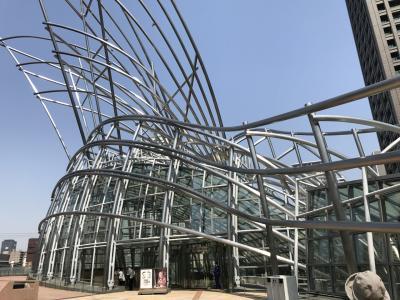 大阪へ行ったというのが当てはまるのかな~という感じですが、中之島界隈で友人とおしゃべり(^:^)と大阪国立国際美術館