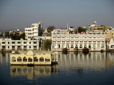 ラージャスターンと北インドの旅 (7)         ウダイプル シティーパレスを観る。