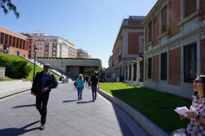 スペイン、アンダルシアのプロセシオンとアルハンブラ宮殿、モロッコ・フェズへの旅。初日マドリッド編