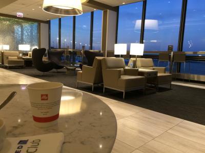 2017 3 シカゴ・オヘア空港 ユナイテッド機内&ユナイテッドクラブ