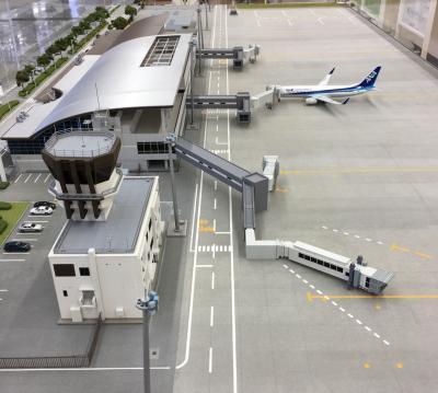 福島空港はウルトラマンの国だった