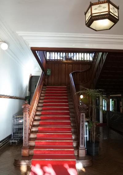 富士屋ホテル ☆ 本館の大階段