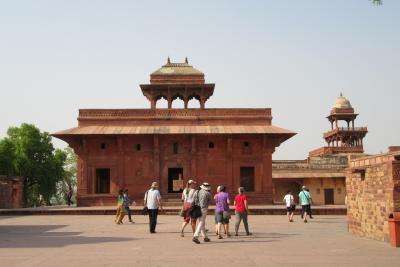 北インドの世界遺産を訪ねて その5 ( ファテーブル・シクリと宮殿ホテル)