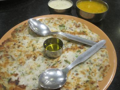 2016 バンガロール最後の食事は有名チェーンを試してみたり、高級モールを散歩してみたり、バスターミナルで当局に引っ掛けられそうになりながらも、無事終了しました!