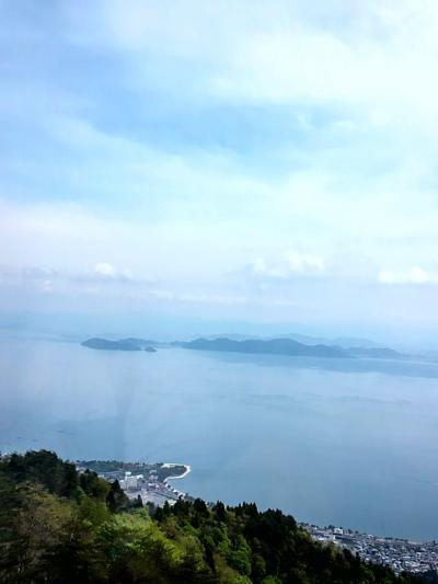 比良山頂で琵琶湖の絶景を見る