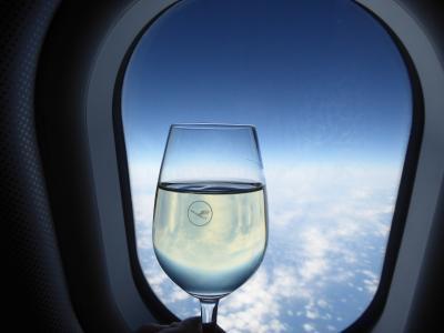 春の優雅なアブルッツォ州/モリーゼ州 古城と美しき村巡りの旅♪ Vol1(第1日) ☆Tokyo→Roma:ルフトハンザ航空ビジネスクラスでローマへ♪
