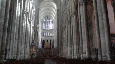 北フランスを巡る10日間の旅(12) 3日目 アミアンの街で昼食後ノートルダム大聖堂の観光。