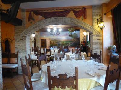 春の優雅なアブルッツォ州/モリーゼ州 古城と美しき村巡りの旅♪ Vol32(第2日) ☆Celano:チェラーノの高級ホテル「Hotel Le Gole」のレストラン優雅なディナー♪