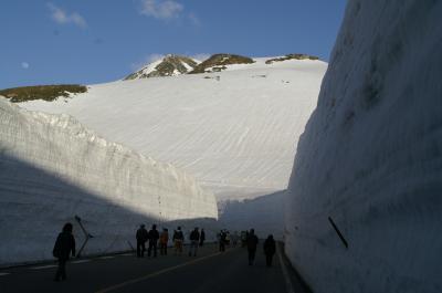 圧巻のアルペンルート「雪の大谷」!! 静寂な高原の宿「ホテル立山」・「弥陀ヶ原ホテル」に憩う