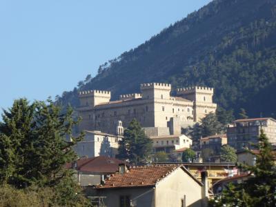 春の優雅なアブルッツォ州/モリーゼ州 古城と美しき村巡りの旅♪ Vol38(第3日) ☆Celano:素敵なホテル「Hotel Le Gole」 さようなら♪