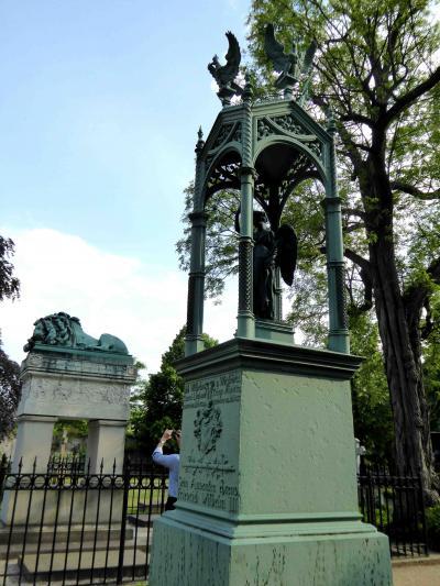 2016.5 とことん旧東ベルリン② 二つの監視塔と、壁建設によって安息を乱されたインヴァリーデン墓地の住人