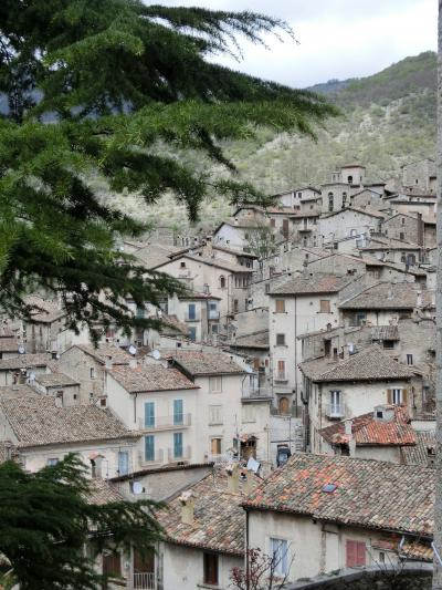 アブルッツォ・ウンブリアのロマネスク教会と美しき村 vol.2 スカンノ他