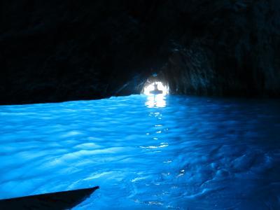 【ヨーロッパ周遊】青の洞窟を見に、世界遺産都市ナポリからカプリ島へ