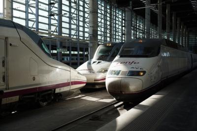 スペイン旅行別冊鉄ちゃん編、RENFEのAVEやその他の列車の写真特集!