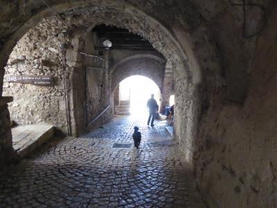 春の優雅なアブルッツォ州/モリーゼ州 古城と美しき村巡りの旅♪ Vol90(第4日) ☆Santo Stefano di Sessanio:美しき村「サント・ステファノ・ディ・セッサニオ」♪趣のあるトンネルやアーチを抜けてさまよい歩く♪