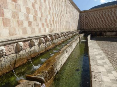 春の優雅なアブルッツォ州/モリーゼ州 古城と美しき村巡りの旅♪ Vol93(第4日) ☆L'Aquila:ラクイラの美しい噴水「Fontana delle 99 Cannelle」へ♪
