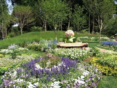 大花壇は圧巻、入場は無料、駐車料金1000円 横浜里山ガーデン