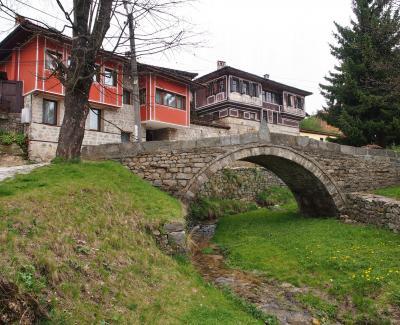 素朴でソフトで・・・食べ物もおいしく・・・物価も安く・・・トルコチックな家並みも可愛かったよ!緑多きブルガリア 3 ★コプリフシティツァ②★カブレシュコフの家、リュトフの家★