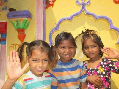 ラージャスターンと北インドの旅 (15)        カジュラーホー村と東群、西群の寺院を観る。
