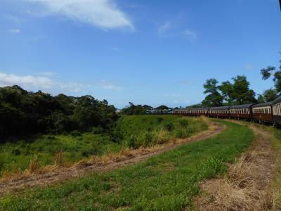 ケアンズ旅行4日目 いざ熱帯雨林へ!キュランダ&パロネラパーク  3世代旅行♪