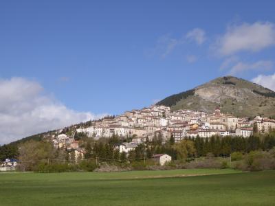 春の優雅なアブルッツォ州/モリーゼ州 古城と美しき村巡りの旅♪ Vol205(第8日) ☆Rivisondoli:美しい村「リヴィソンドーリ」♪