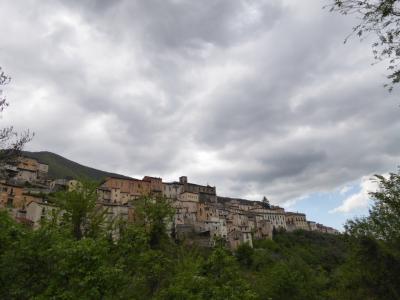 春の優雅なアブルッツォ州/モリーゼ州 古城と美しき村巡りの旅♪ Vol213(第8日) ☆Castel di Sangroから美しい風景の中をPettrano sul Gizioへ♪