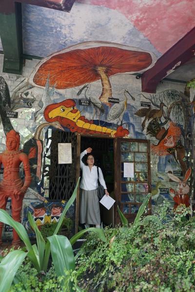 灼熱のスリランカ(13)世界で唯一の狂気のホテル、ヘルガズ・フォーリーというエキセントリックな館に魅了される。
